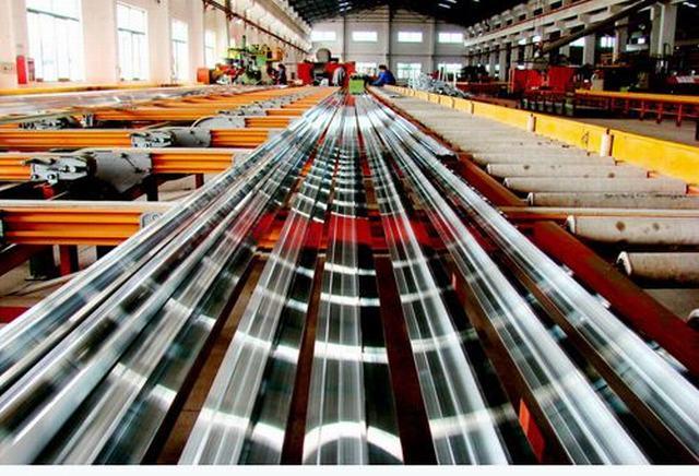 铝板加工生产现场图(三)